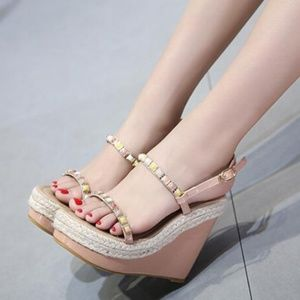 Size 7.5 Wedges